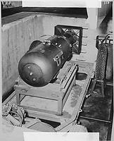 486px-Atombombe_Little_Boy_2.jpg